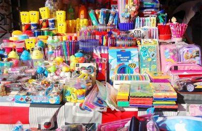 تعویض کتابهای کهنه با لوازمالتحریر در ایستگاههای بازیافت اصفهان