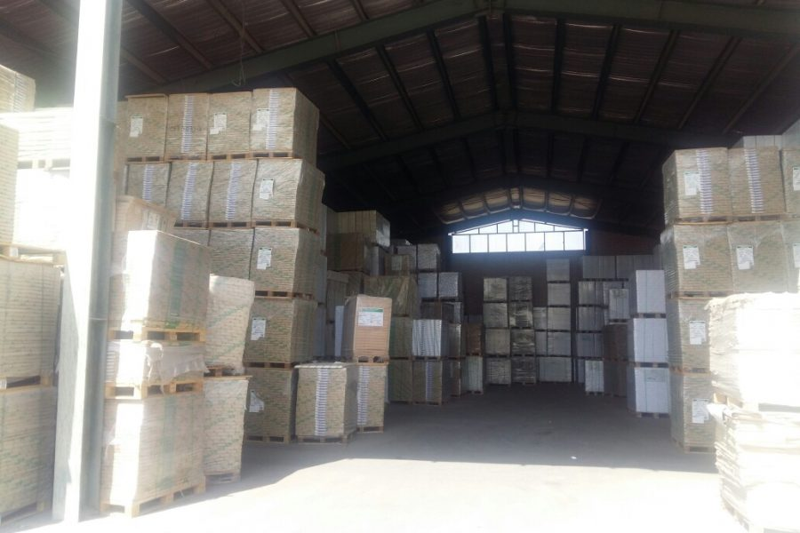 انباری با ۹ میلیارد ریال کاغذ احتکار شده در اصفهان