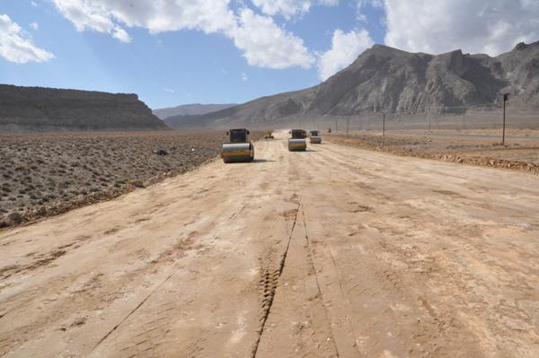 باند دوم محور کاشان-برزک-ورکان درحال احداث/ رفع نقاط حادثه خیز شهرستان کاشان