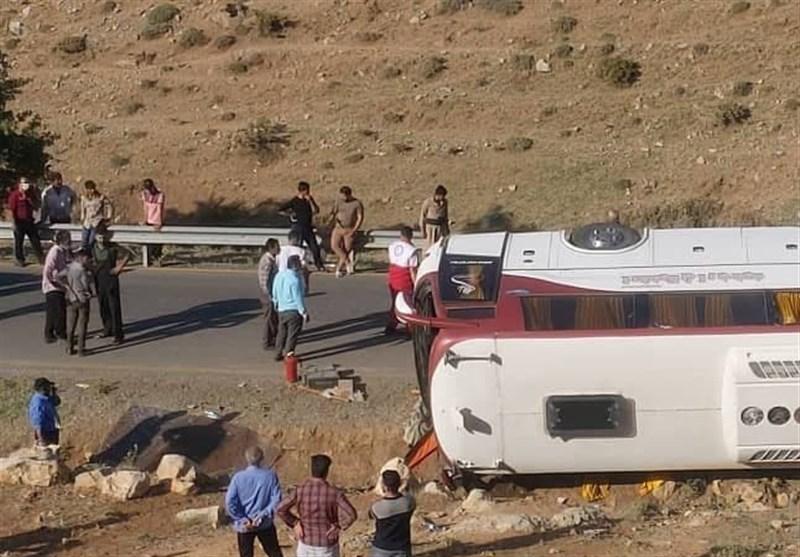 سقوط اتوبوس خبرنگاران در نقده به دره / فوت ۲ خبرنگار و مصدومیت ۲۱ نفر+اسامی مصدومان و فوتشدگان